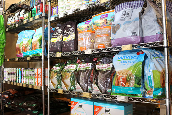 Organic Pet Foods at Hoku Market
